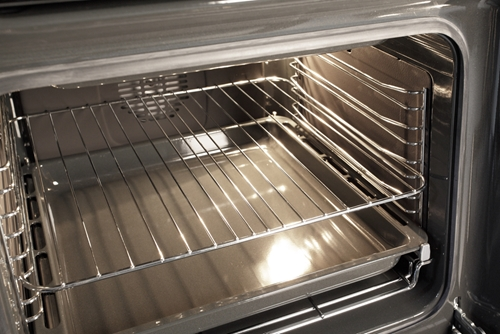Supermarket managers and supervisors: Be sure to share with employees these dead giveaways that convection ovens might be in need of immediate maintenance.
